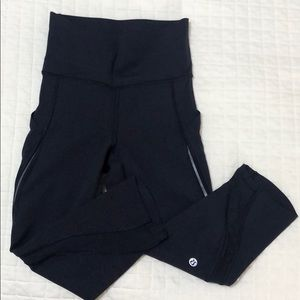 "Lululemon Pace Perfect Crop (17"") Size 2"
